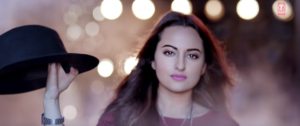 Noor: Sonakshi Makes Sizzling and Energetic Moves in Gulabi song