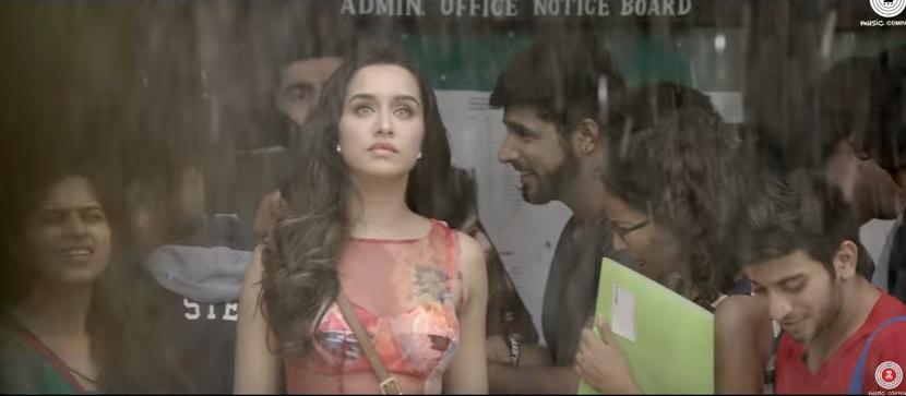 Half Girlfriend Baarish Lyrics shraddha kapoor cute expressions after seeing rain