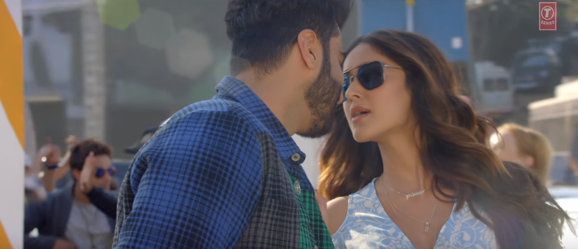Hawa Hawa Song Mubarakan ileana on road