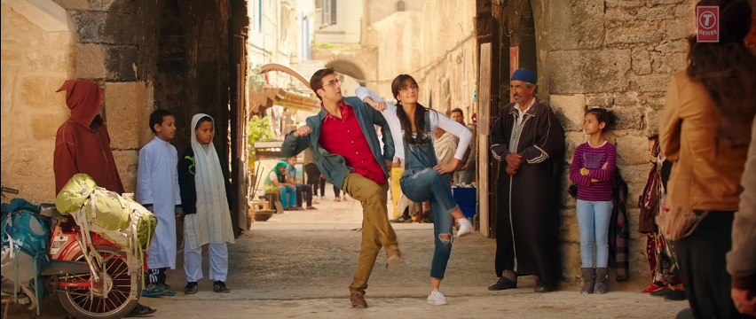 Ullu Ka Pattha Song Jagga Jasoos Song Ranbir Kapoor and Katrina Kaif different Dance steps.