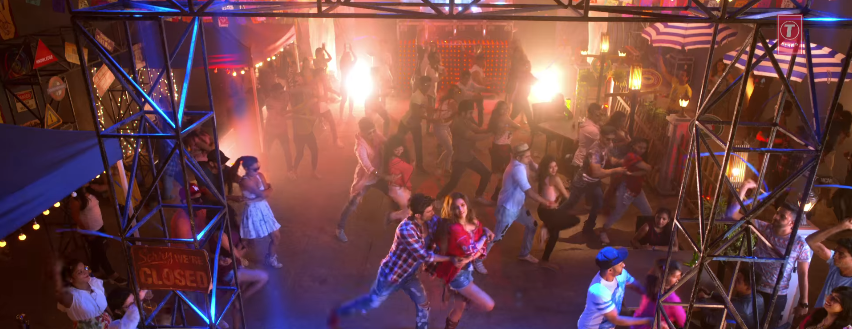 Paas aao na song sushant and kriti sung by armaan malik