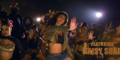 Daisy Shah in Aaja Mahi song