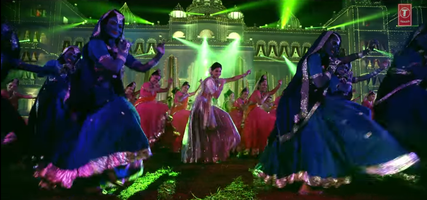 Daisy shah dancing on Nandlala song from Ram Ratan movie