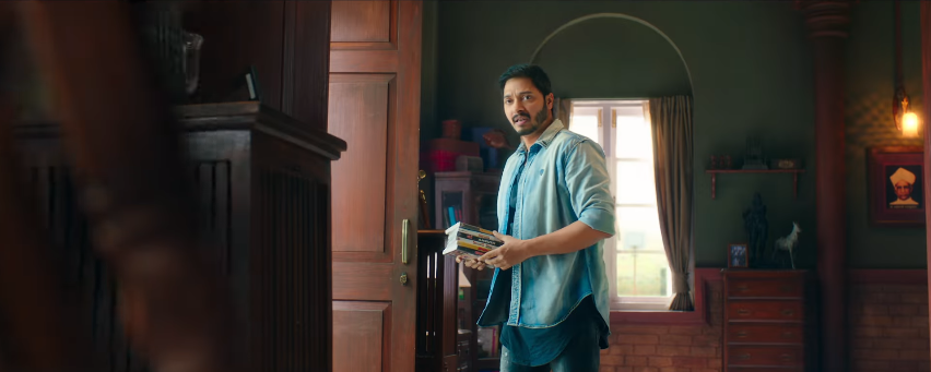 shreyas as laxman in golmaal movie