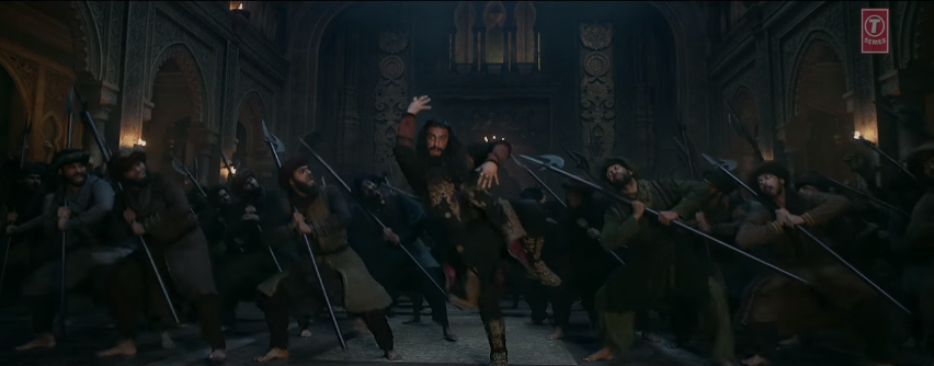 single leg dance of Ranveer sinhg in khalibali song