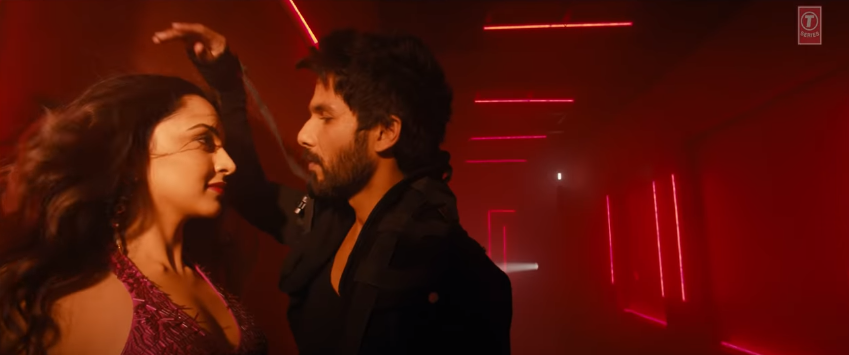 Shahid and Kiara in Urvashi urvashi song