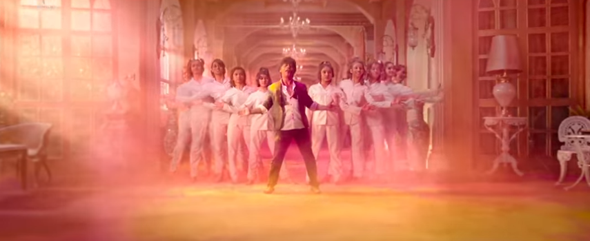 Srk in zero movie his signature pose